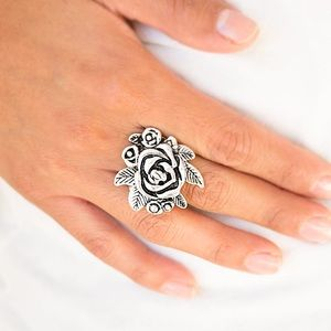 Bouquet Bonanza Silver Ring